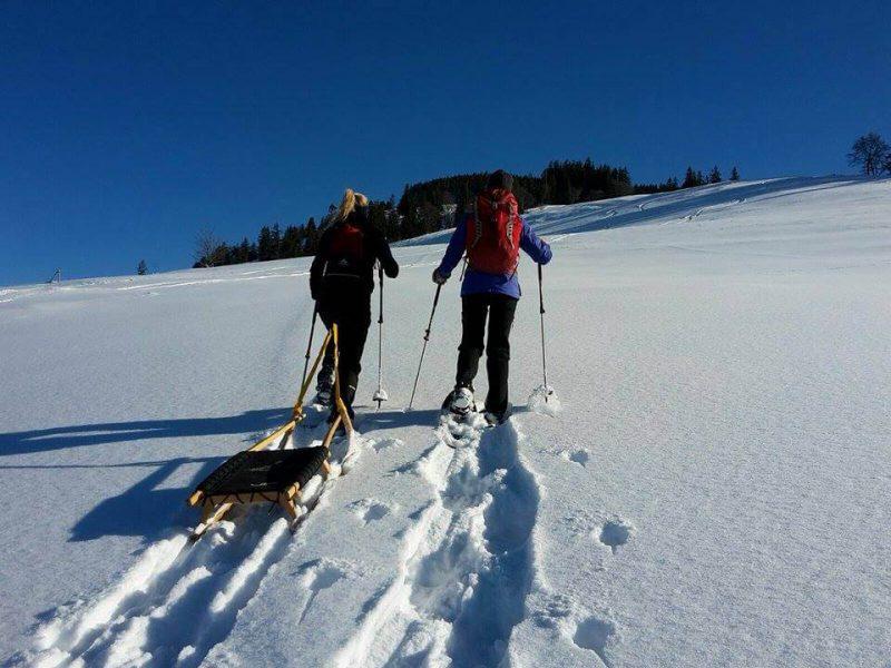 Schneeschuh Wandern und Nachtrodeln im Allgäu