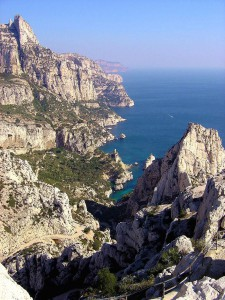 Die Calanques von Marsaille – Quelle: By Michel Roux via Wikimedia Commons
