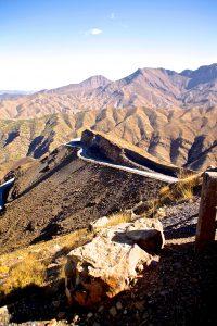 Der Weg in die Wüste führt durch das Atlas-Gebirge