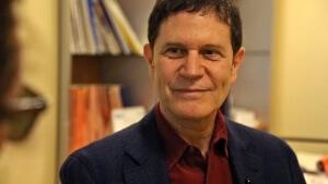 Profi beim Augen Lasern: Chefarzt Dr. Göke hat bereits 23 Jahre Erfahrung und circa 70.000 Augen-OPs durchgeführt - ich vertraute im komplett....