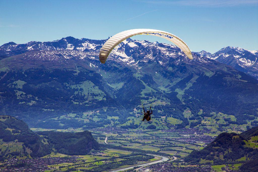 Liechtenstein - Paraglide