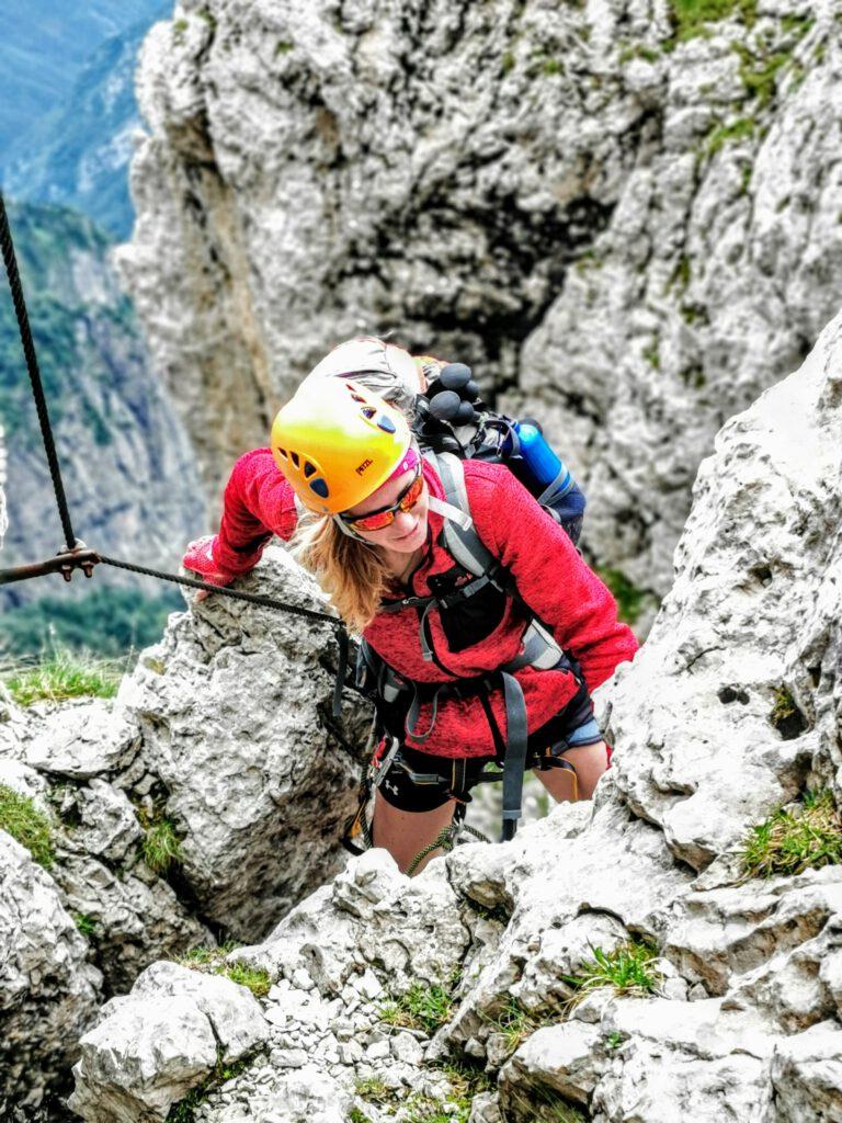 Tipps Traumpfad München Venedig Andrea beim Schiara Klettersteig